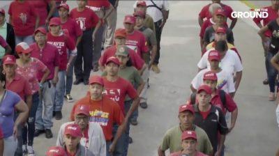 ベネズエラ市民軍を取材したドキュメンタリー「ベネズエラ:革命を防衛する」の写真